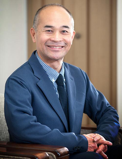 株式会社平岡石油店 代表取締役社長 平岡務